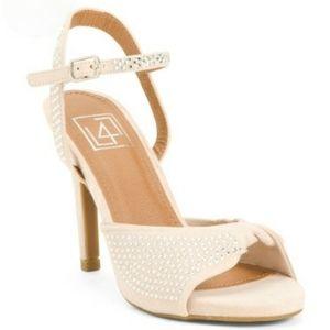 Peep toe sandals sz 8